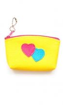 sleutelhanger geel tasje met hartjes
