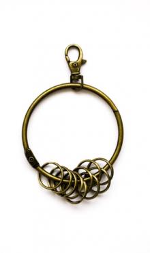 Grote sleutelring met 10 kleine ringen